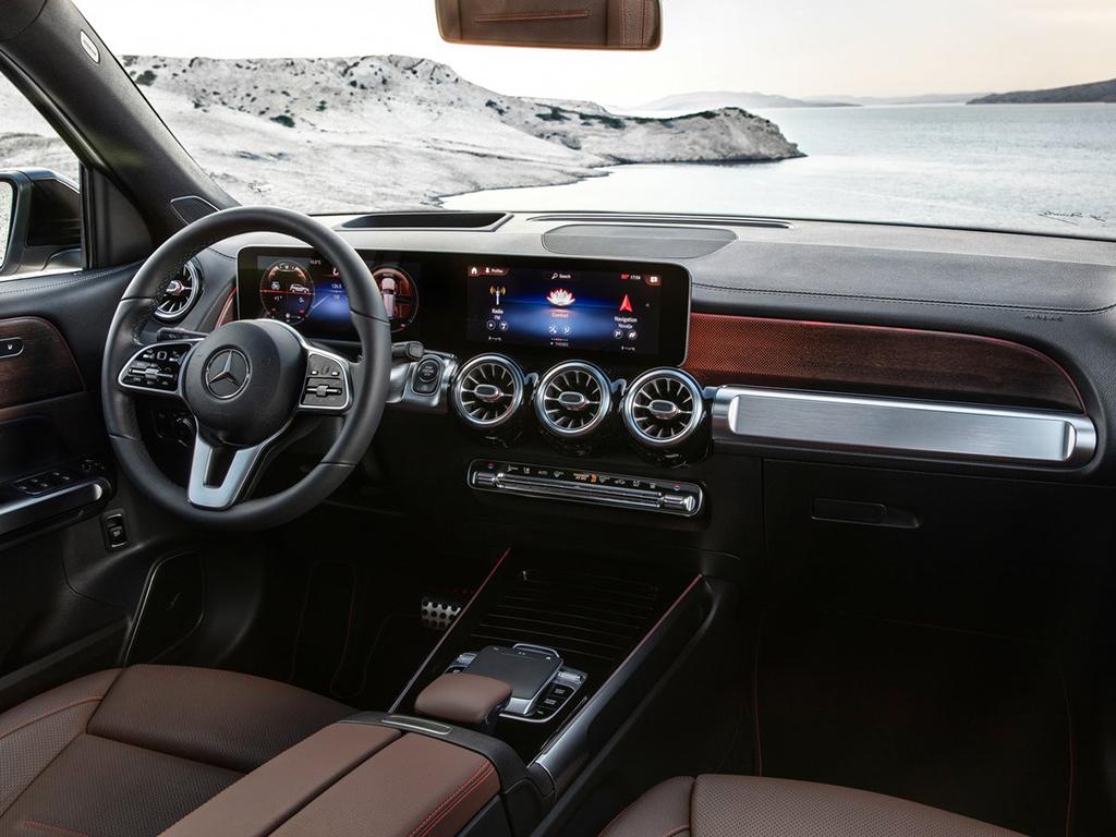 Mercedes-Benz-GLB-2020-1280-4d.jpg